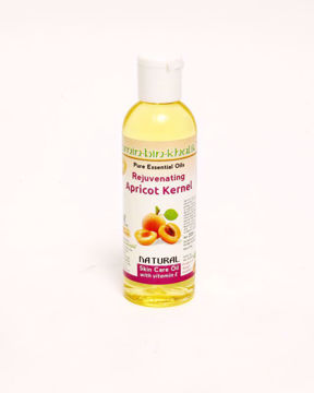 extracted-pure-apricot-oil